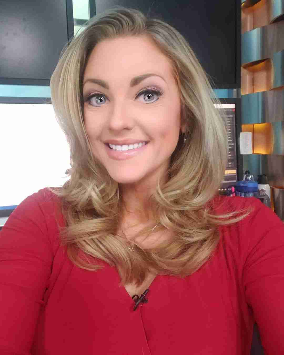 Lisa Meadows Wiki, Bio, Age, Family, Weight Loss, WCCO & More